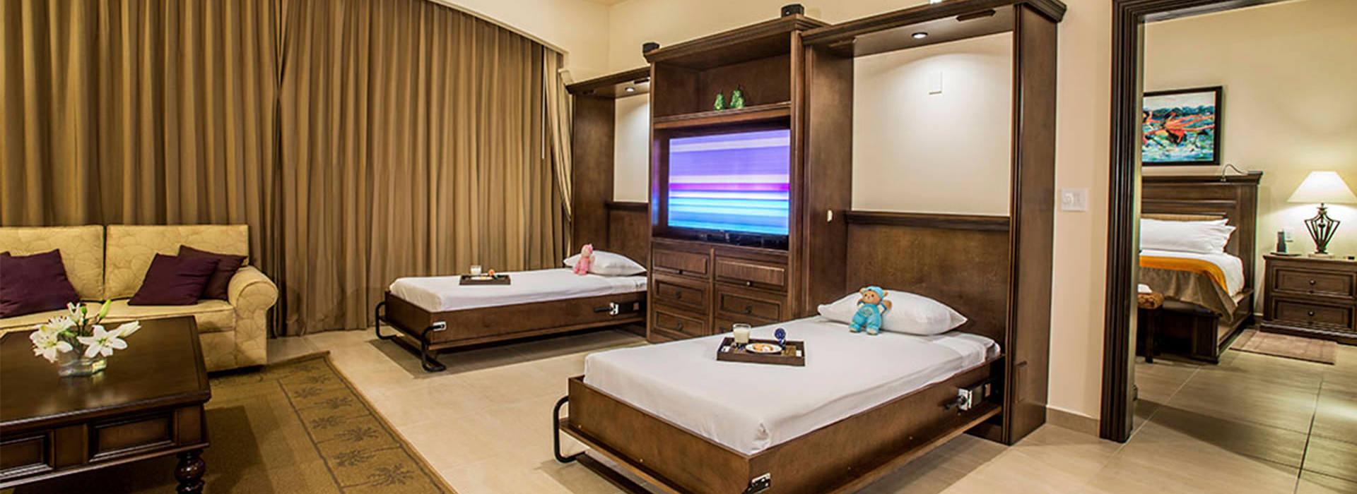 Spacious Living Room In Resort Suite